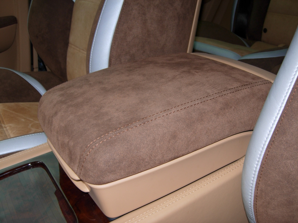 Как обтянуть подлокотник дивана кожей своими руками 13